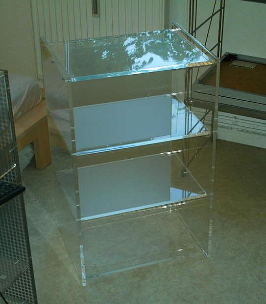 aus acryl bilderrahmen aus plexiglas lautsprecher aus acrylglas acryl m bel. Black Bedroom Furniture Sets. Home Design Ideas